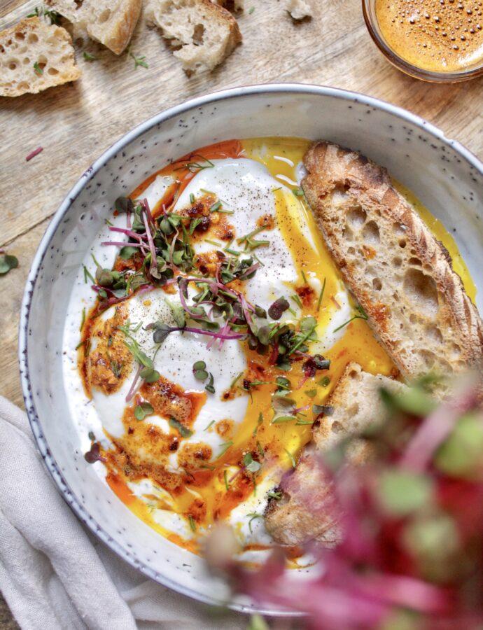 Çılbır, Türkische Eier